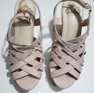 Open toed wedge sandal/heel